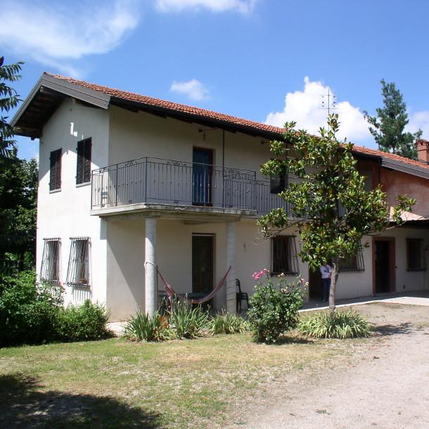 CASA UNIFAMILIARE – TETTI PESIO (CN)